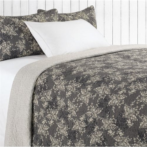 Adele grey flowered quilt