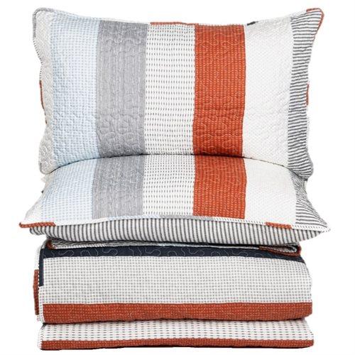 Clément striped quilt