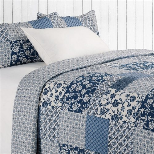 Edith blue and ivory quilt